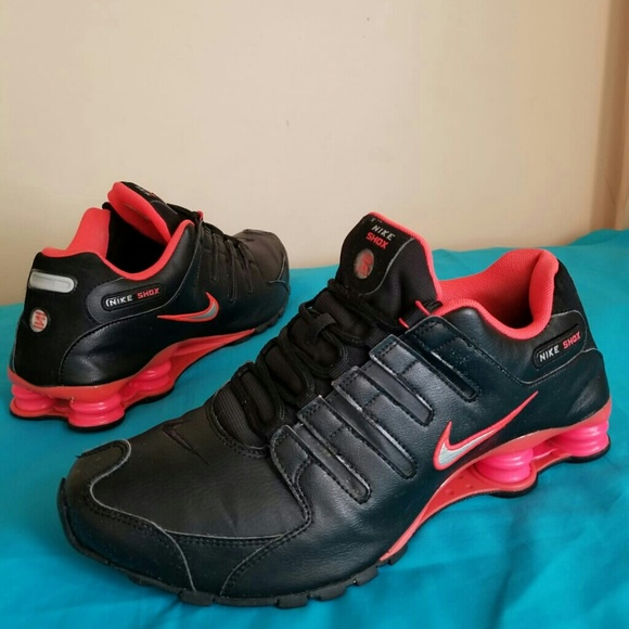 (SOLD) Men's Nike Shox NZ Blk Crsn Size 11